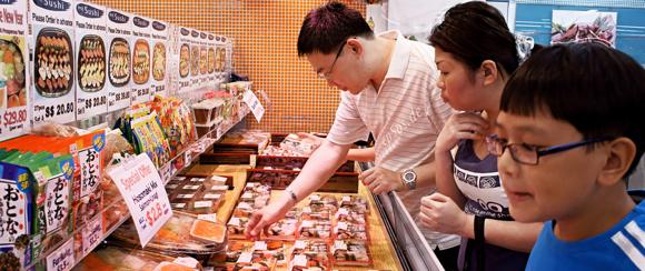 asian family shopping - keuze, kiezen, doelgroep