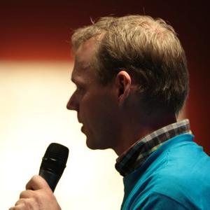 Erno Hannink speaking